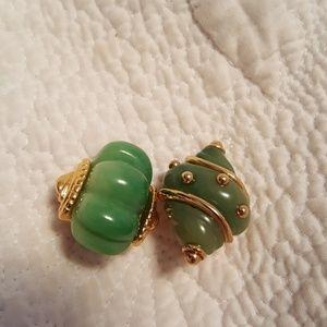 Vintage kenneth jay lane seashell green clip ons